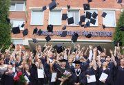 Sveikinimai Verslo vadybos fakulteto ištęstinių studijų absolventams: šiandien jūs esate nugalėtojai